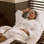 Relax con tisana dopo bagno di vapore in hammam
